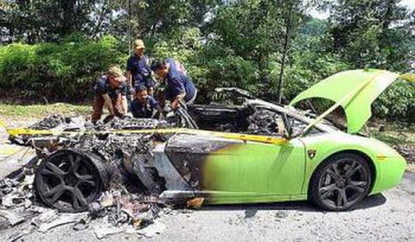 Lamborghini Gallardo Catches Fire In Malaysia Performancedrive
