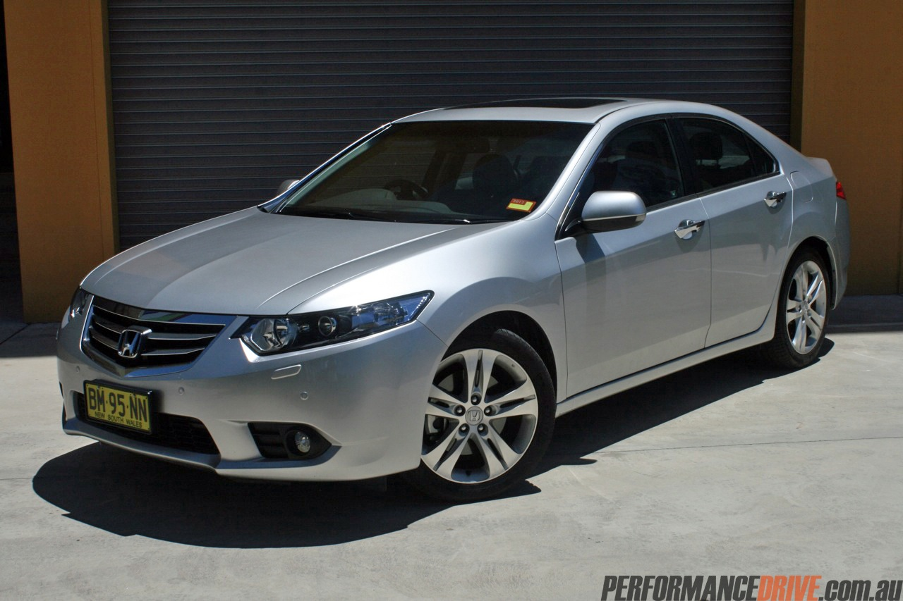2012 Honda Accord Euro vs Suzuki Kizashi Sport: comparison - PerformanceDrive