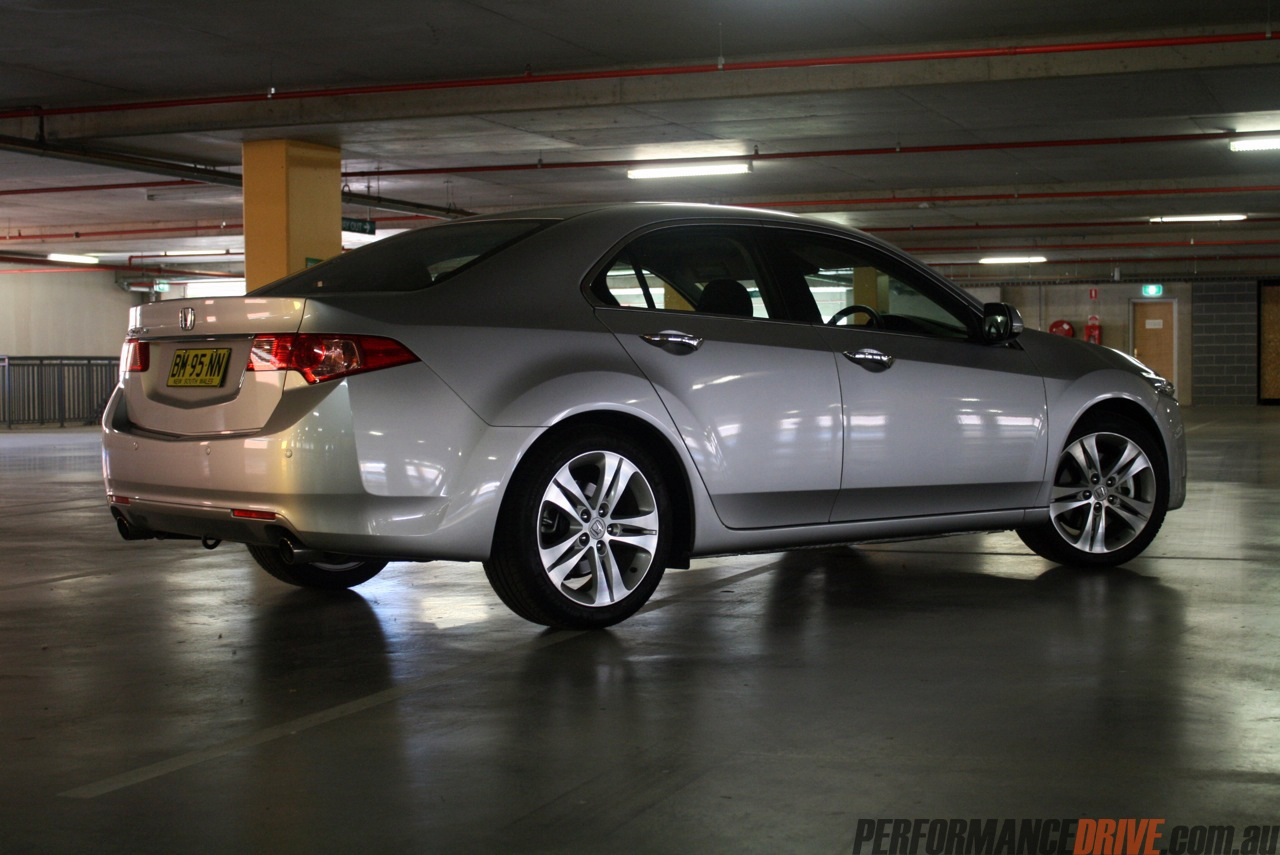Honda Accord 2012 Sport >> 2012 Honda Accord Euro vs Suzuki Kizashi Sport: comparison - PerformanceDrive
