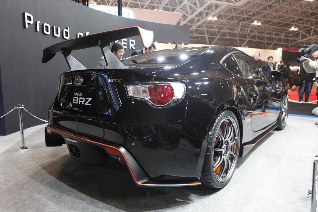 Prova Subaru BRZ Black Edition and HKS BRZ drift car ...