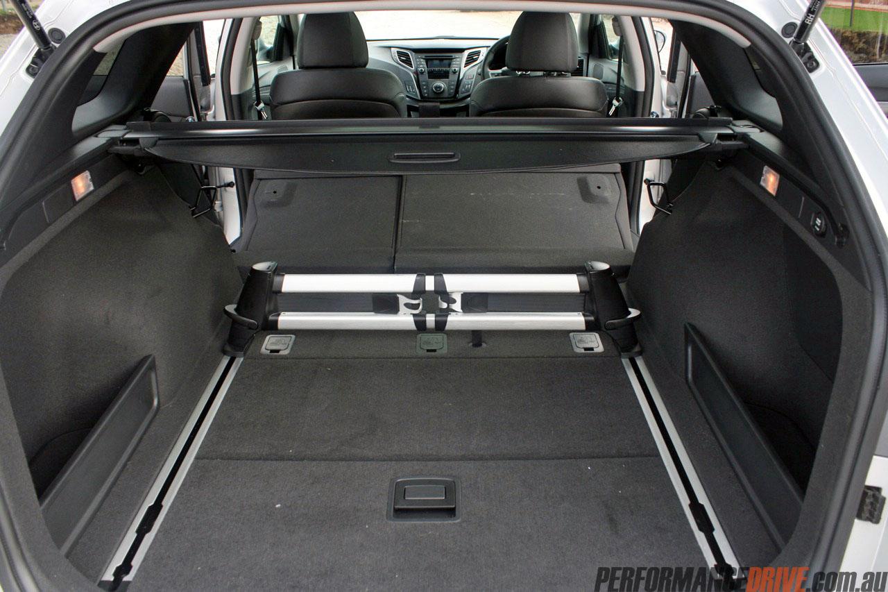 2012 Hyundai i40 Premium review - quick spin ...