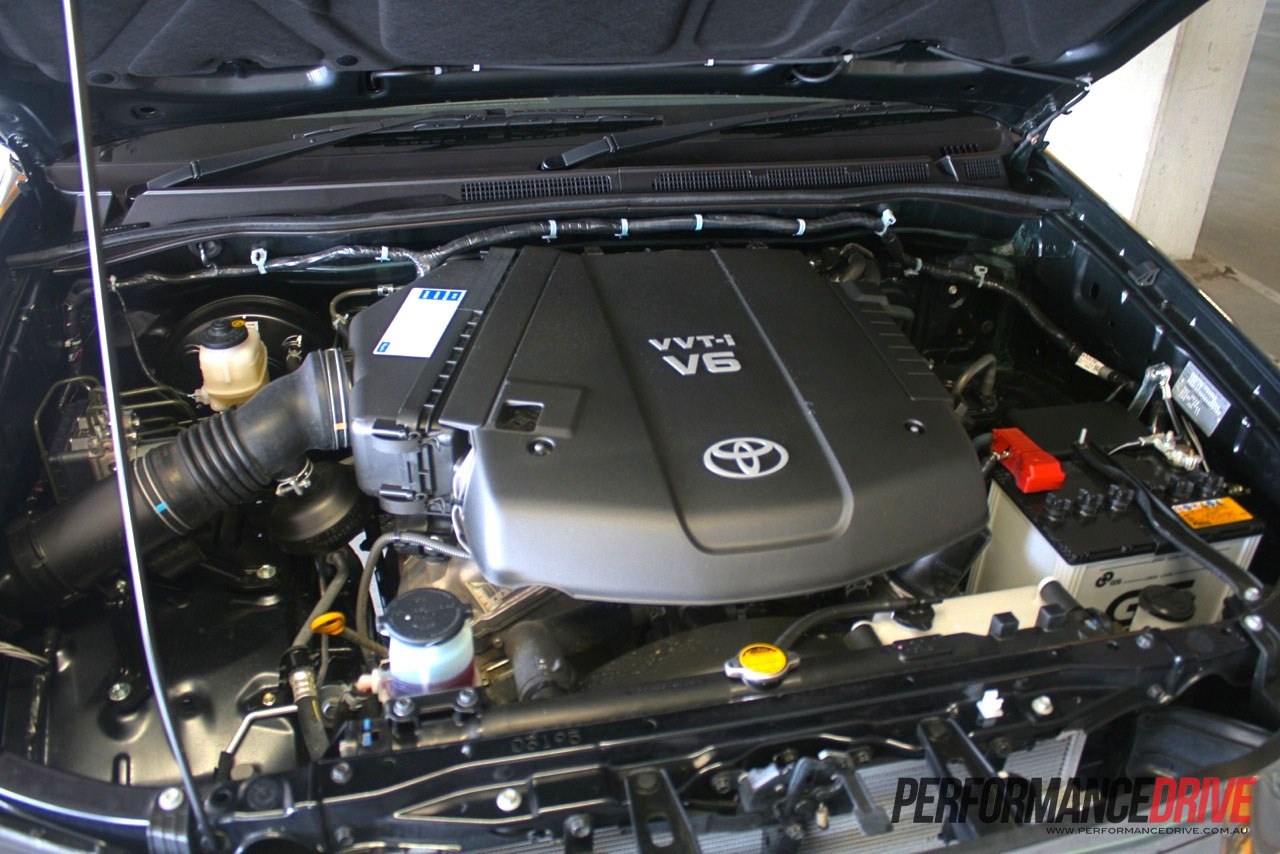 2012 Toyota HiLux SR5 review - PerformanceDrive