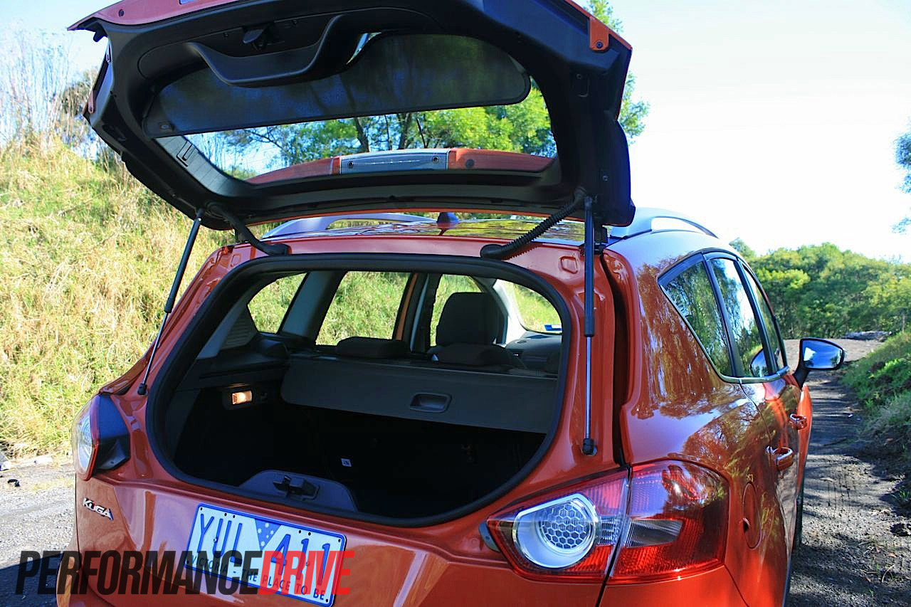 ford kuga trend tailgate