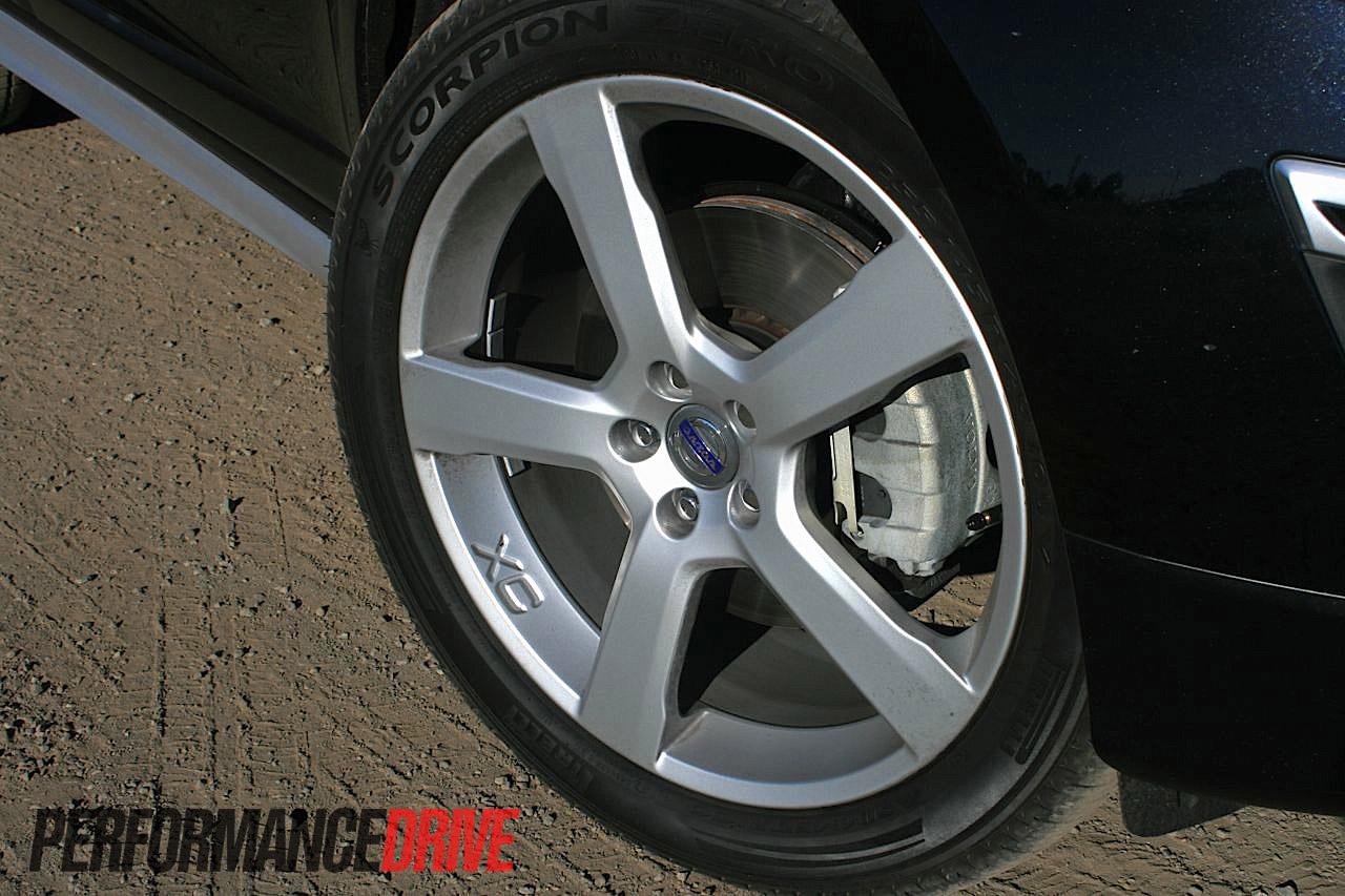 2012 Volvo XC60 T6 Polestar review (video) - PerformanceDrive