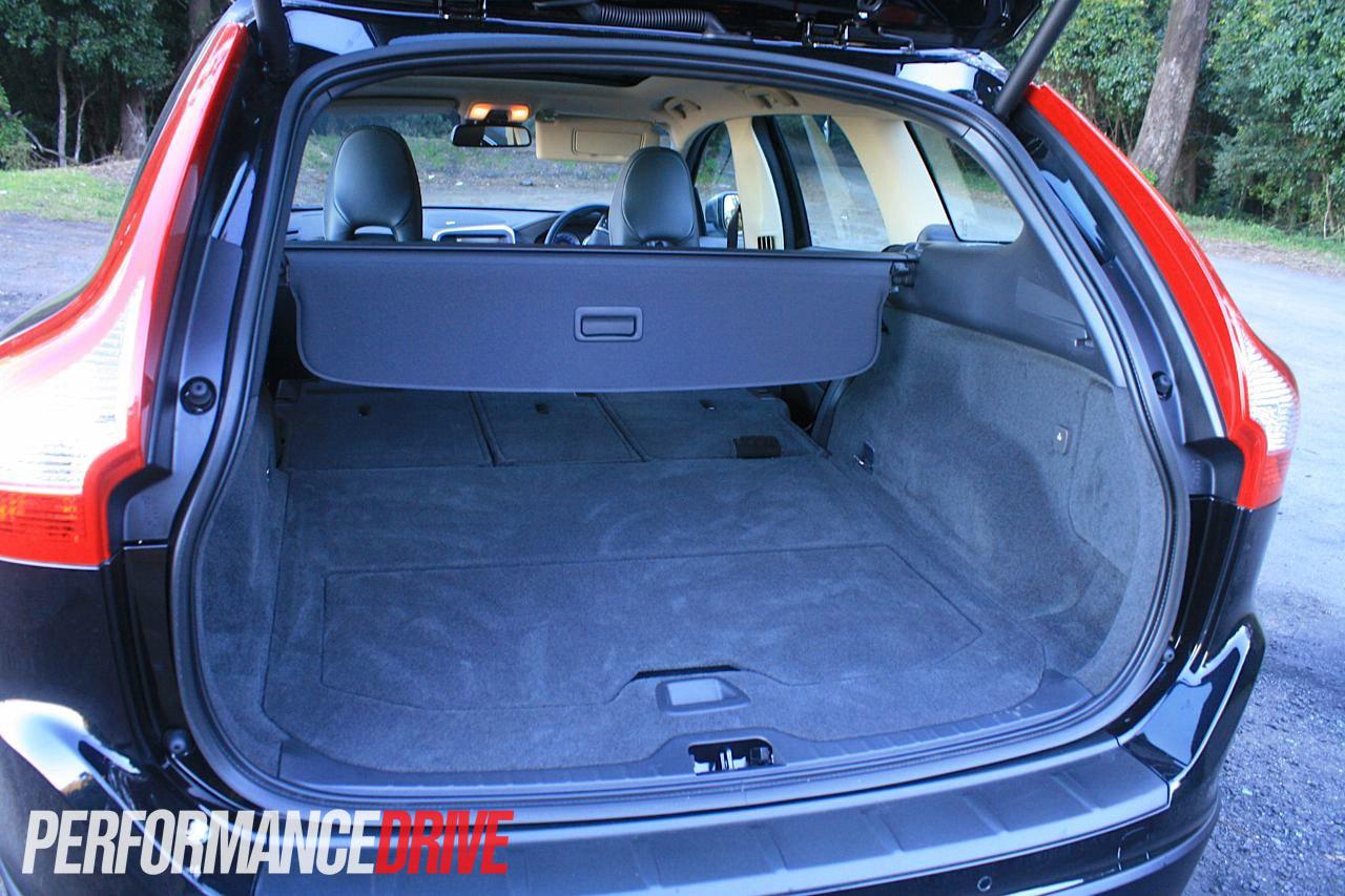 2012 Volvo XC60 T6 Polestar cargo space