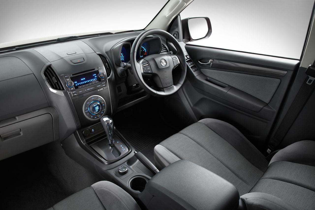 2012-Holden-Colorado LTZ interior