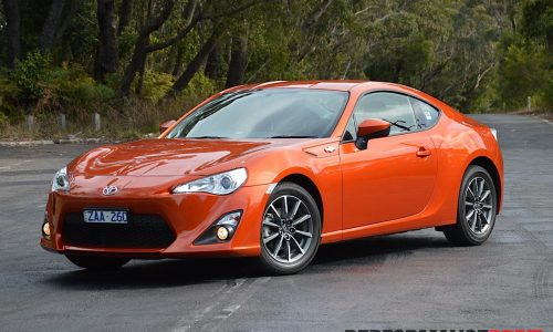 2012 Toyota 86 GT review (video)