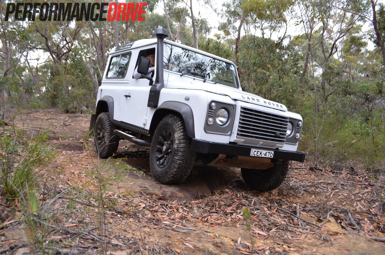 land rover defender 90 review performancedrive. Black Bedroom Furniture Sets. Home Design Ideas