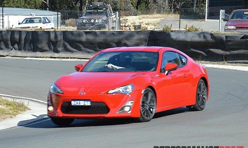 2012 Toyota 86 GTS review (video)