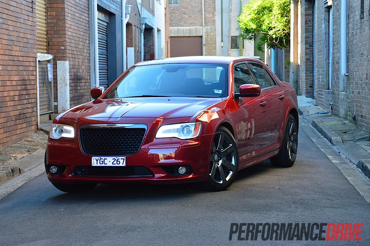 Chrysler 300srt >> 2012 Chrysler 300 SRT8 review (video) - PerformanceDrive
