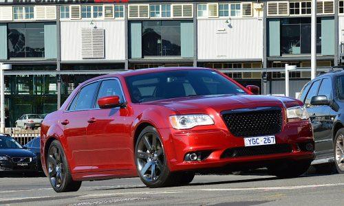 2012 Chrysler 300 SRT8 review (video)