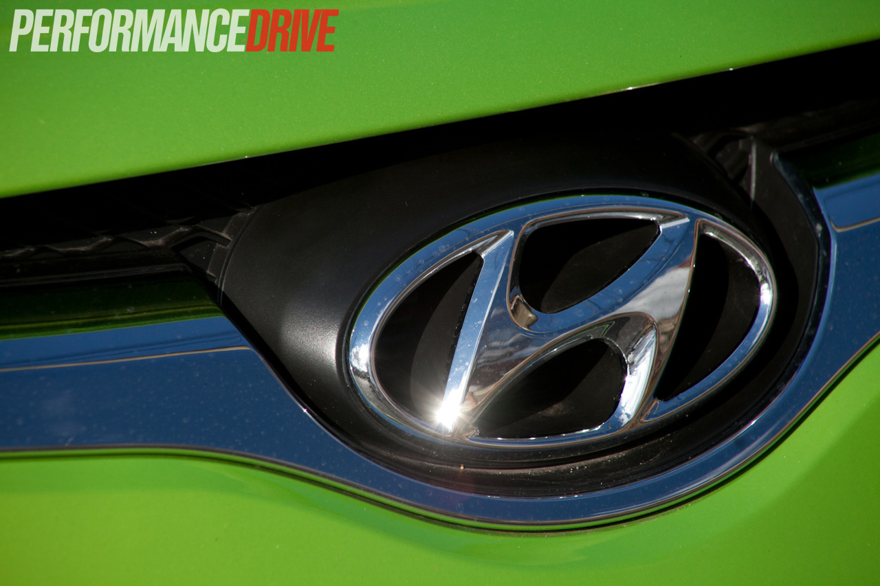 2012 Hyundai Veloster Plus review - PerformanceDrive