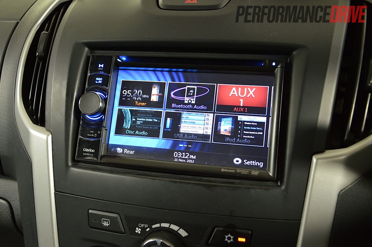 2012 Isuzu D-Max LS-Terrain multimedia screen