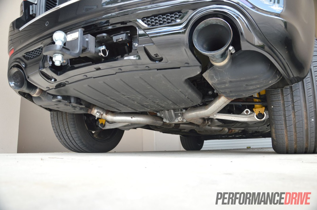 2013 Jeep Grand Cherokee SRT8 review (video ...