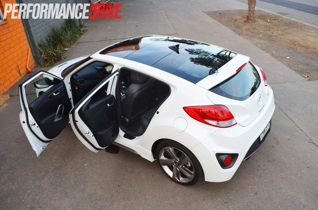 2012 Hyundai Veloster Sr Turbo Review Video Performancedrive Intercooler Passenger Side