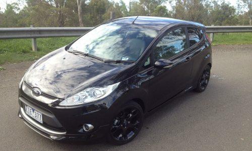 2013 Ford Fiesta Metal review (video)