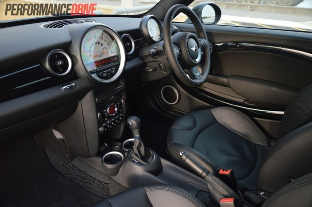 2013 MINI Coupe Cooper dash