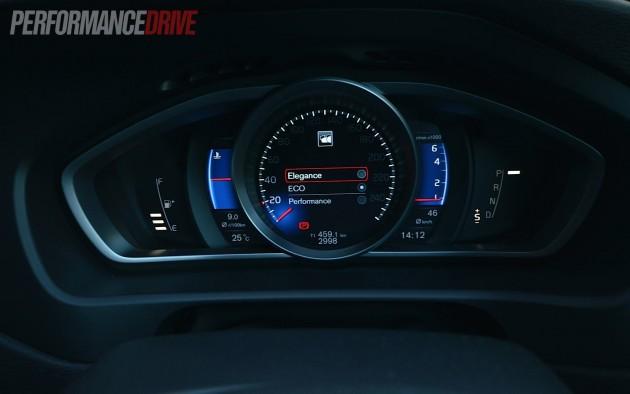 2013 Volvo V40 T5 TFT crystal display