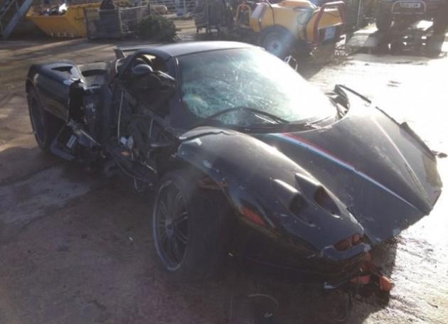 Pagani Zonda Roadster crashed-side 2