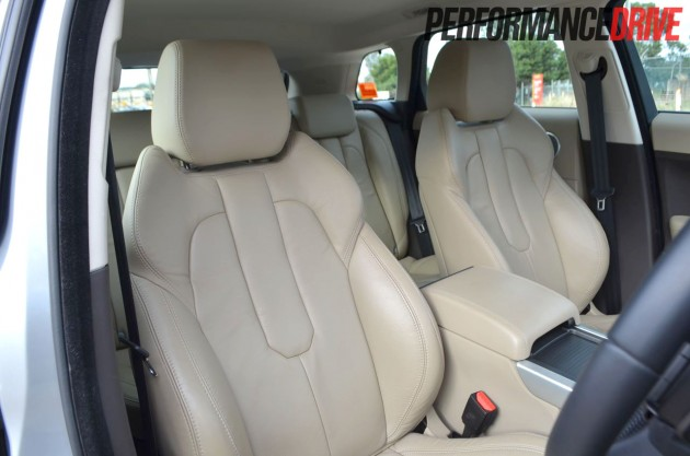 2012 Range Rover Evoque Pure SD4 front seats