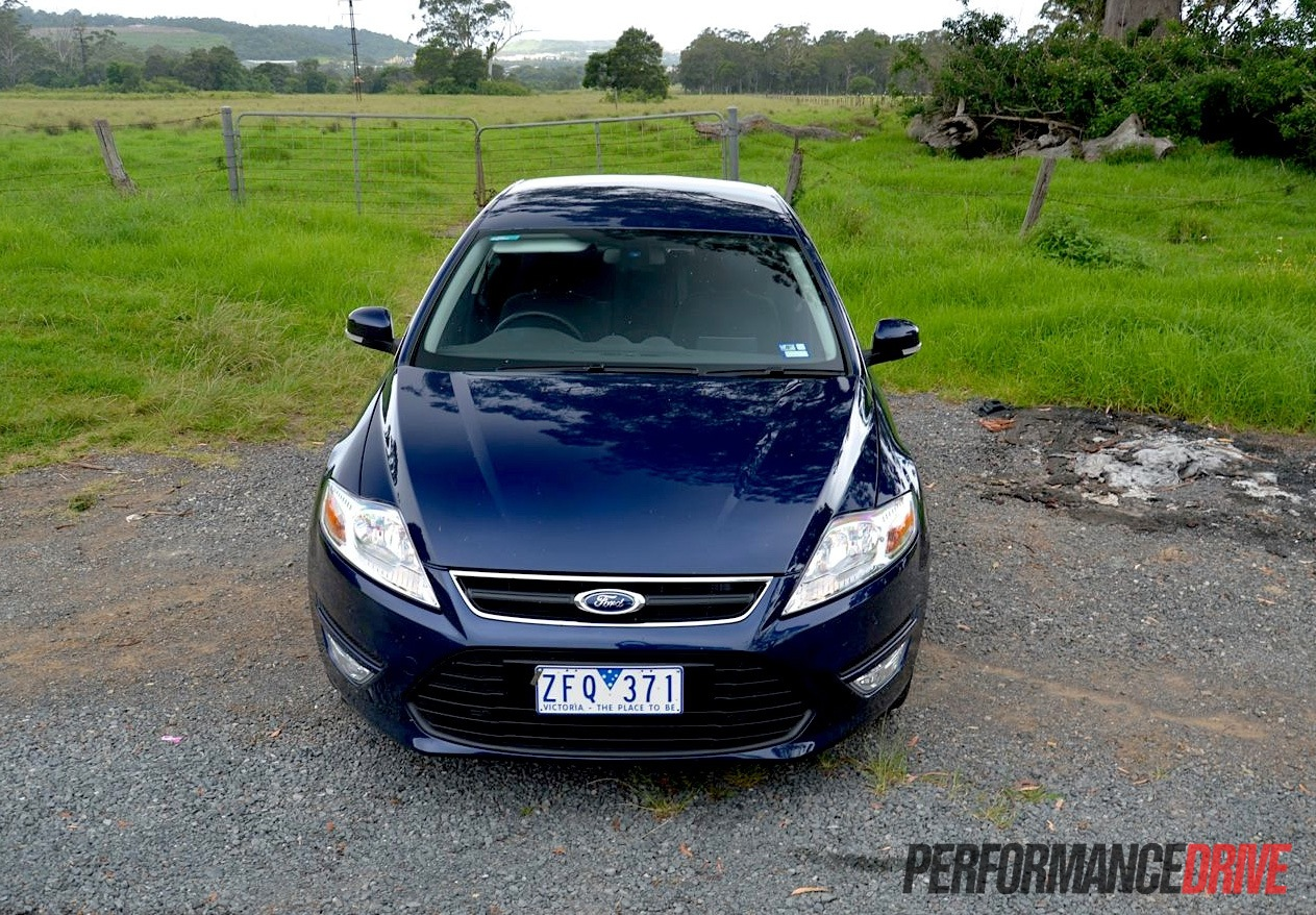 2013 Ford Mondeo Zetec EcoBoost review (video