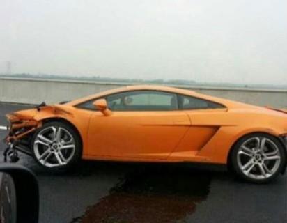 2013 Lamborghini Gallardo LP560-4 crash China-2