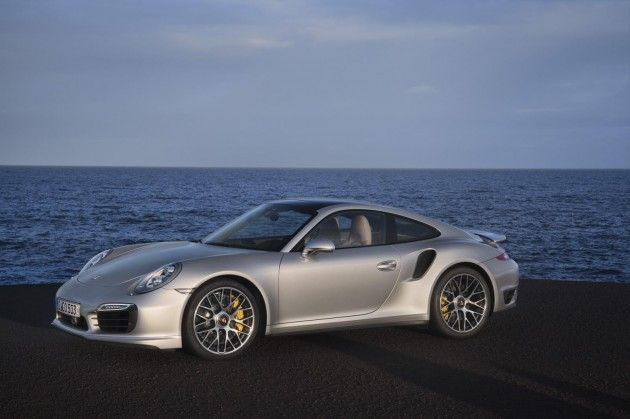 2014 Porsche 911 Turbo revealed