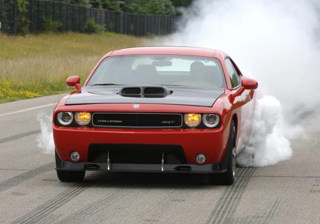 Dodge Challenger SRT10 Concept burnout