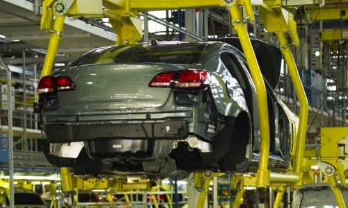 2014 Holden VF Commodore production begins in SA (video)