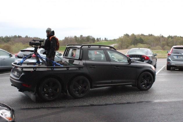 Volvo XC60 six-wheeler-1