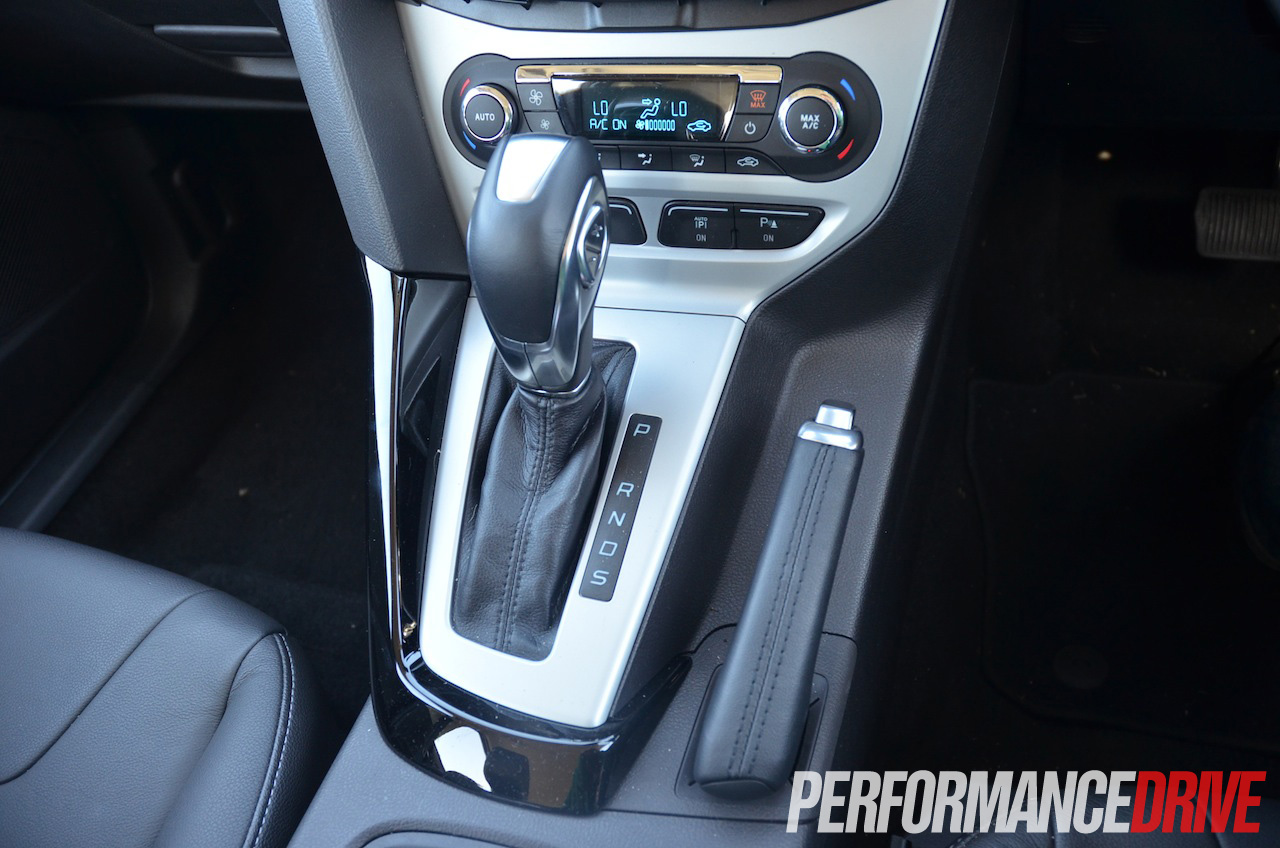 2013 ford focus titanium six speed auto dual clutch. Black Bedroom Furniture Sets. Home Design Ideas