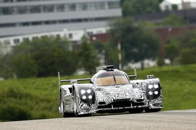 2014 Porsche Le Mans LMP1 prototype