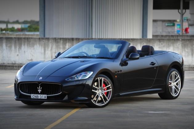 Maserati GranCabrio MC-black