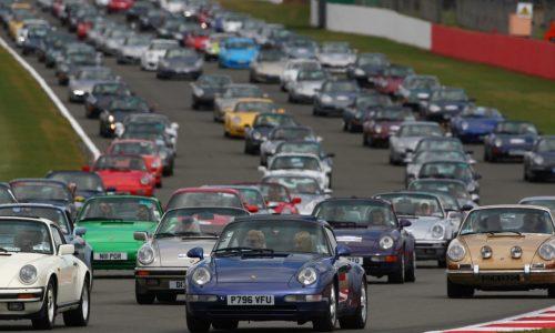 Porsche 911 record-setting parade at Silverstone