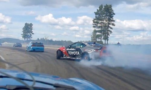 Video: 2JZ-powered Toyota 86 passing like a boss