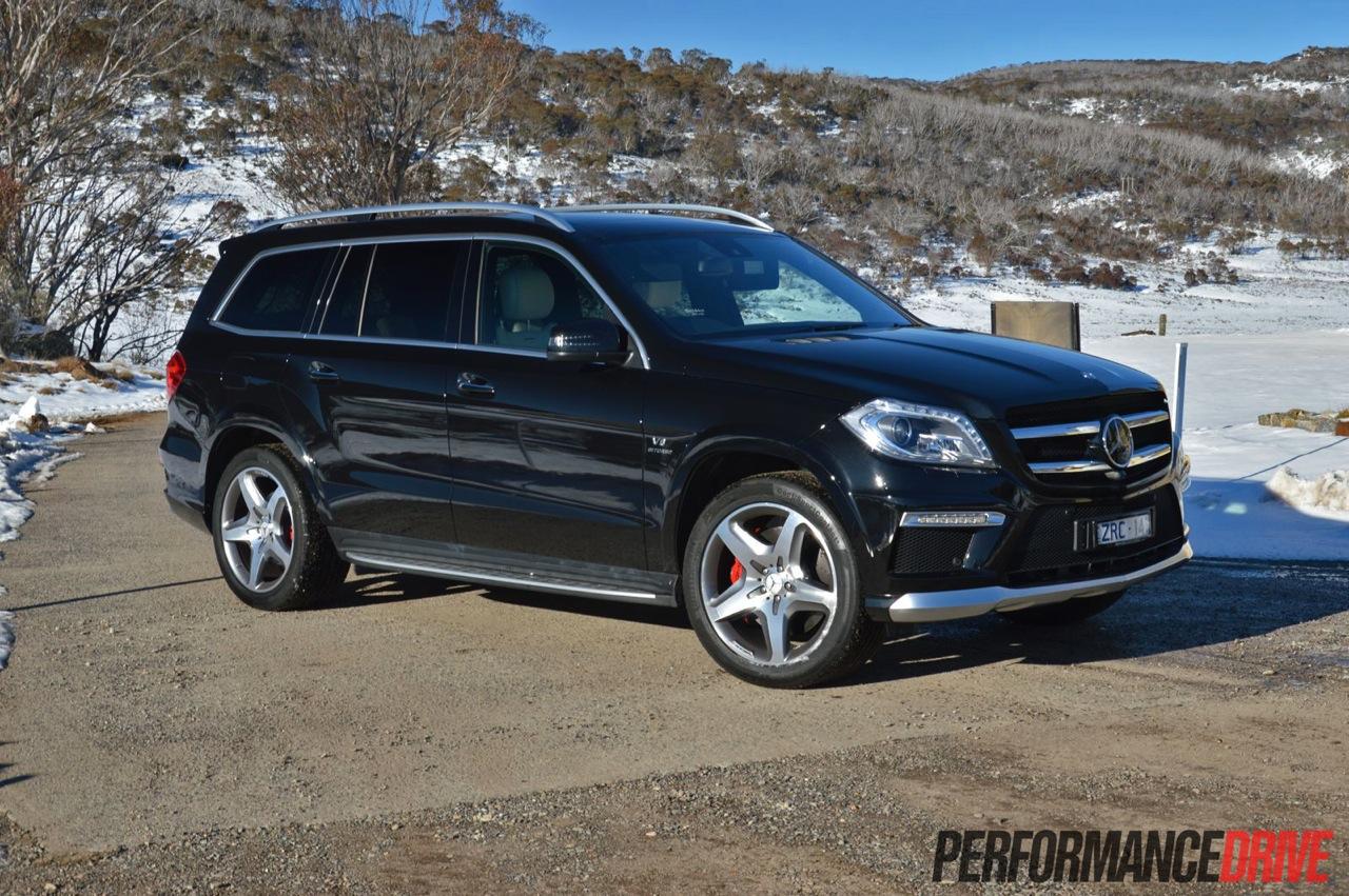 2016 Amg Gl63 Mercedes Benz >> 2013 Mercedes Benz Gl 63 Amg Review Video Performancedrive