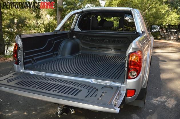 2013 Mitsubishi Triton GLX-R tray
