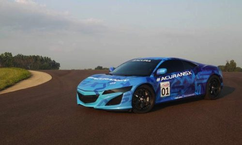Video: 2015 Honda NSX makes track debut