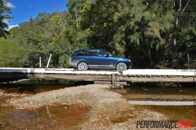 2013 Range Rover Vogue SE bridge