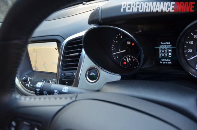 2014 Holden VF Calais V V8 Sportwagon instruments