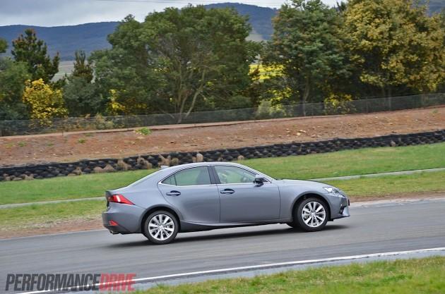 2013 Lexus IS 250 Luxury-sliding