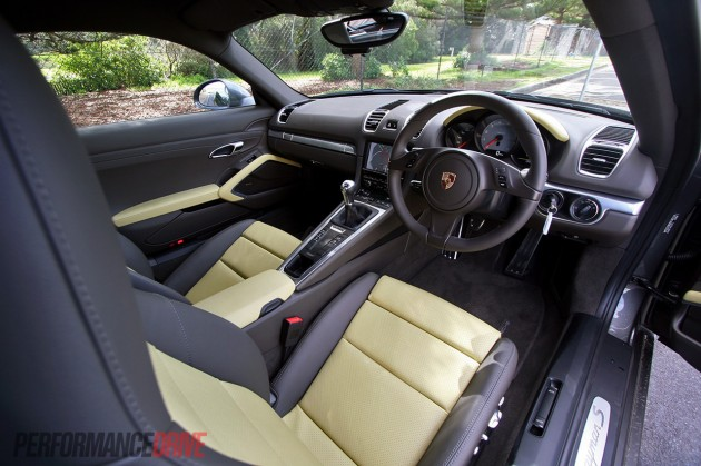 2013 Porsche Cayman S-interior