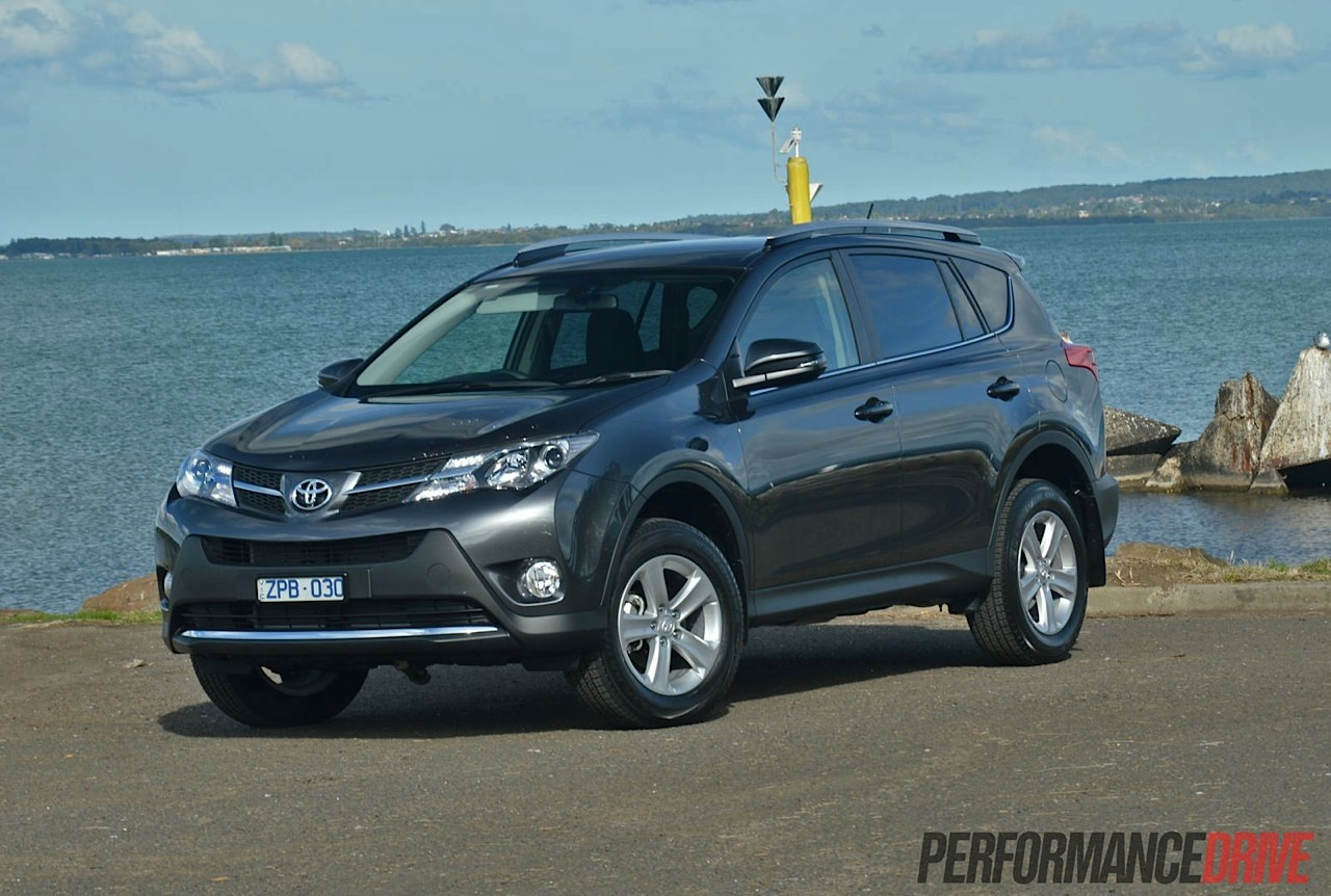 2013 toyota rav4 review cruiser and gxl performancedrive. Black Bedroom Furniture Sets. Home Design Ideas