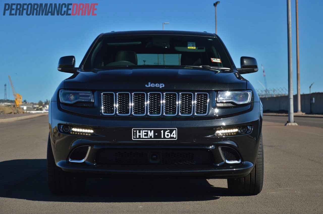 2014 jeep grand cherokee srt grille and headlights. Black Bedroom Furniture Sets. Home Design Ideas