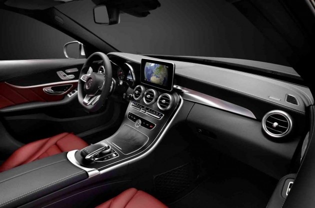 2014 Mercedes-Benz C-Class dash