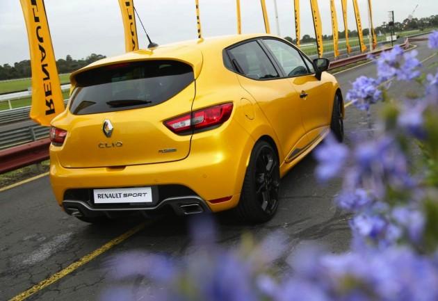 2014 Renault Clio RS EDC-rear