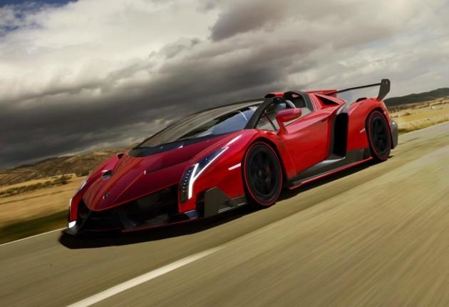 Lamborghini Veneno Roadster-driving
