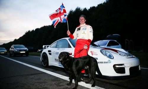 Mike Newman drives 300km/h blind, breaking world record