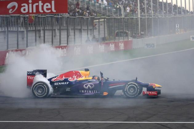 Sebastian Vettel donuts 2013 India F1