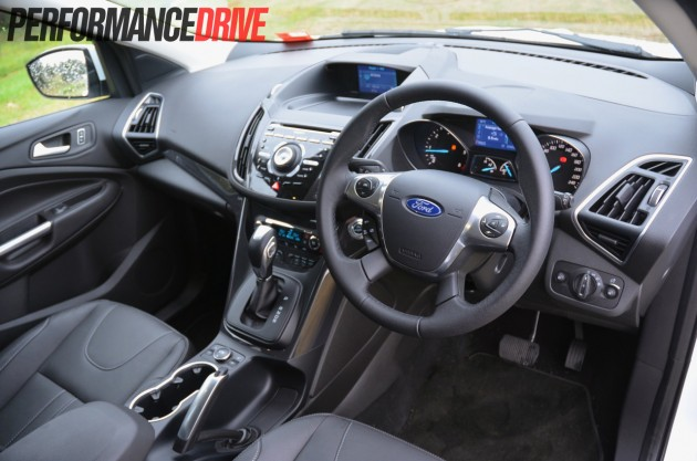 2013 Ford Kuga Titanium dash